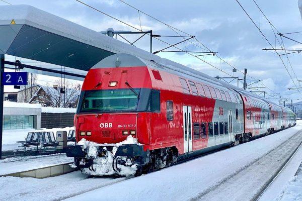 ÖBB 86-33.107 + ÖBB 1016.020 mit dem REX 5563 im Bahnhof Rankweil #öbb ...