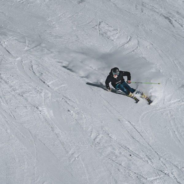 #skiing Ein einzigartiges Pistenerlebnis. . . Mit wem sind Sie am liebsten auf ...