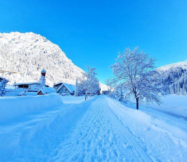 dein kraftplatz. dein schneeparadies. #derklostertalerhof #hotel #kraftplatz #schneeparadies #klösterle #arlberg #voralberg #österreich @kloesterle_am_arlberg ...