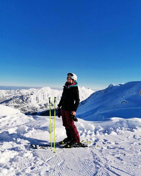 Fun ❄️☀️🤩 . . . #fun #skiing #bergliebe #whataview #whatabeautifulday #happyme #visitvorarlberg #ländle ...