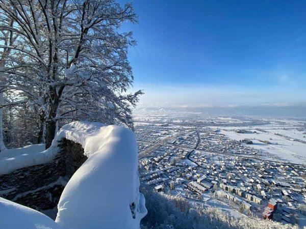Traumhaftes Winterwetter heute in Hohenems - wie hier beim Ausblick am Schlossberg von ...