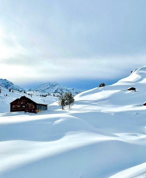 Vor dem Fönsturm * * * #wintertime #traumtag #winter #visitbregenzerwald #austrianalps #landscape_lovers #landscapephotography ...