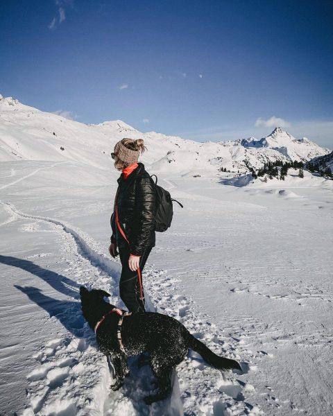 Wollfühlen am Berg. 🏔🤍 #Repost @caty.who ・・・ In die Berg bin i gern ...
