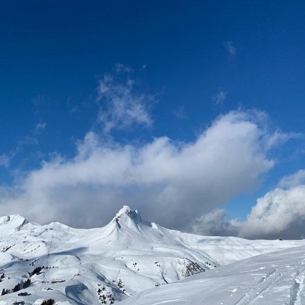 Das Wetter, der Schnee ist zurzeit perfekt 👌. Wir genießen jeden Tag und ...