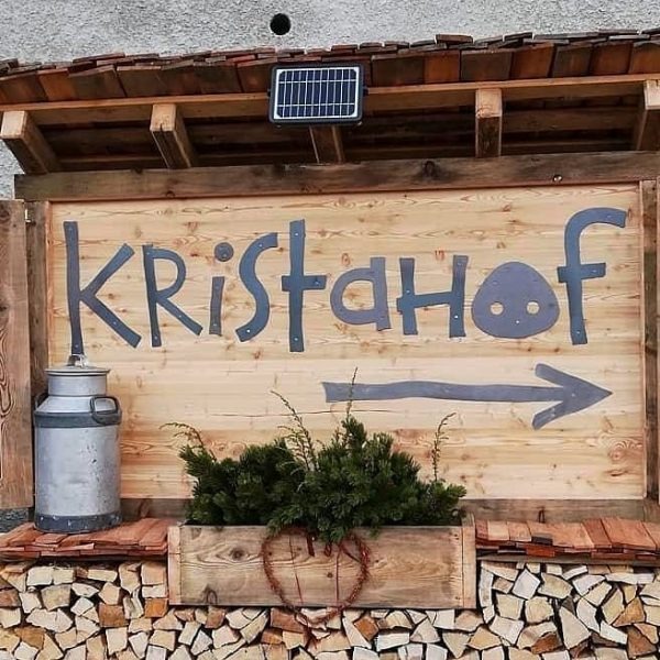 Bio-Produkte aus der Region findest Du im Kristahof-Lädili in Tschagguns. Wöchentliche Zustellung möglich. Mehr Info auf www.kristahof.com...