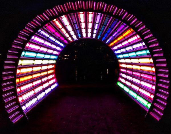 ...ein bißchen Farbe an diesem verschneiten Tag 😉 . . . #goodvibes #lichttunnel ...