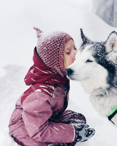 """Kissing a new best friend ❤️ #childhoodmemories """"Das werde ich mein ganzes Leben ..."""