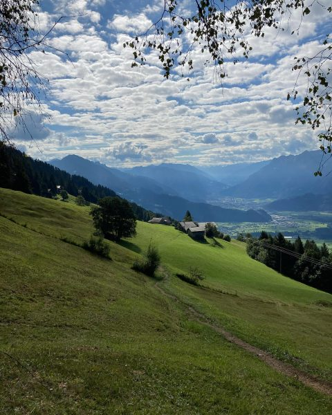 Kleiner Ausflug in die Berge.... #vorarlberg #vorarlbergwandern #schnifisbergbahn #nature #einfachraus Henslerstüble