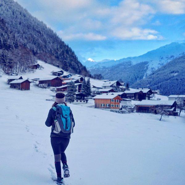 🏔☃️EN BELOW☃️🏔 ~~~~~~~~~~~~~~~~~~~~~~~~~~~~~ Yeni yılın ilk ayları Avusturya Alpleri'nde karlı ve soğuk geçiyor. Bu havalarda yürümeyi ayrı...