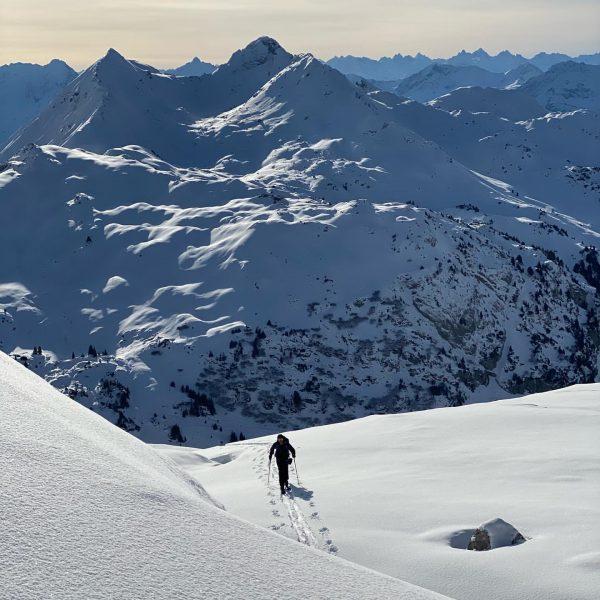 way to the top✌🏻 . . . #sportalplech #sportalpwaldhart #austria #vorarlberg #mountains #alps #arlberg #lechamarlberg #lechzuers #omeshorn...