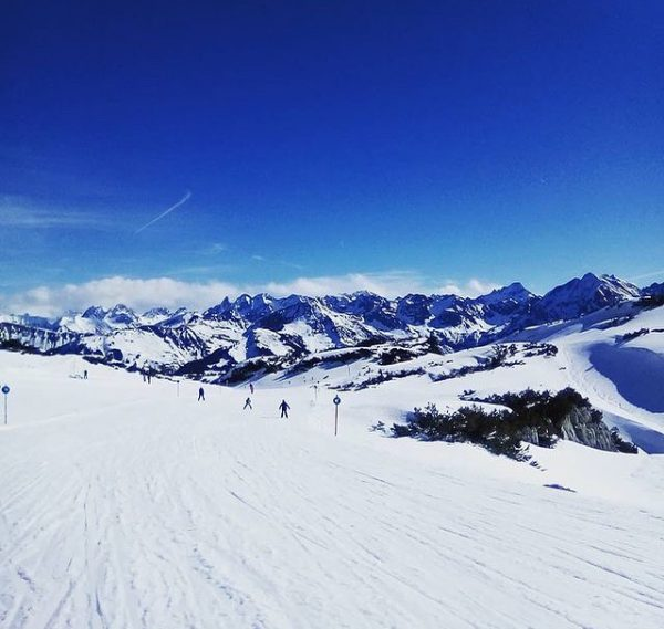 Remember Februar 2020.... Wunderbare Aussicht vom Ifen. @okbergbahnen @kleinwalsertal @skischuleriezlern @skischuleseiteegg @skischule.mittelberg @skischulehirschegg ...