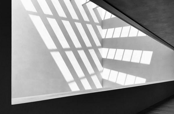 #bregenz #vorarlberg #vorarlbergmuseum #architecture #architecturephotography #schwarzweissfotografie #blackandwhitephotography #shotoniphone #apple #applephotography #architecturelovers #adobe #adobelightroom ...