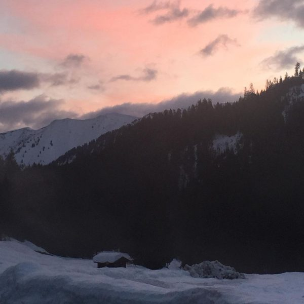 Morgenstimmung an der Auenhütte im Kleinwalsertal #eslebedermoment #kleinwalsertal #hotelmontana #2021