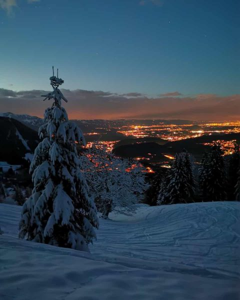Nightskitour Bazoraalpe 🇦🇹 Tour description: Start and end in Gurtis. Duration: 1:08 h ...