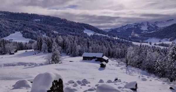 Der Bregenzerwald erstrahlt zu Beginn der Semesterferien wieder in einem weißen Winterkleid. Wandertipp ...