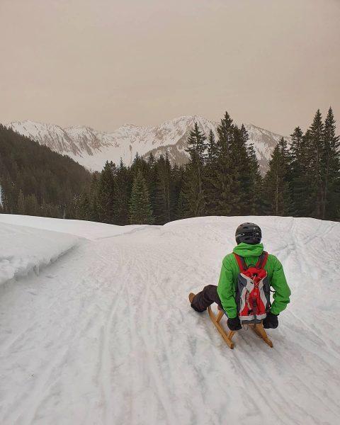 Snow days in Laterns 🛷👩👦❄ Die 4 km lange Naturrodelbahn bietet Spaß für ...