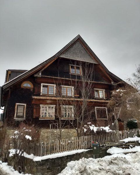 🐦Da hätten wir wieder ein Uralt - Rheintalhaus, versunken im Nebel und Schnee... ...