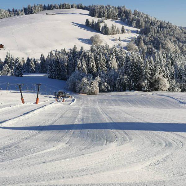 Es wird ein Traum Skitag heute... 🔝 Top Pisten und ganz viel 🌞🌞 ...