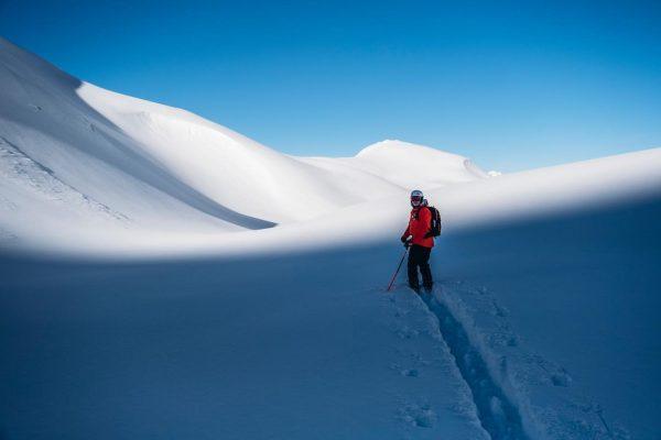 Mit einem professionellen Guide, Skilehrer oder in einer Gruppe ist das Skifahren im ...