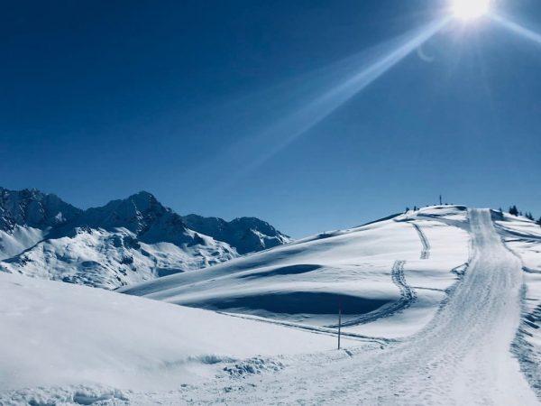 Wanderung aufs Muttjöchle bei strahlendem Sonnenschein ☀️ ❄️ Der Winterwanderweg führt bis zum ...