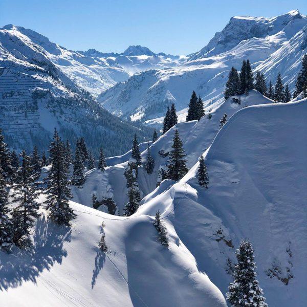 𝙽𝚊𝚝𝚞𝚛𝚎 𝚊𝚝 𝚒𝚝𝚜 𝚋𝚎𝚜𝚝 ✨👌✨ . . . . #bergwelten #gipslöcher_oberlech #waldgrenze #naturpur❤️ ...