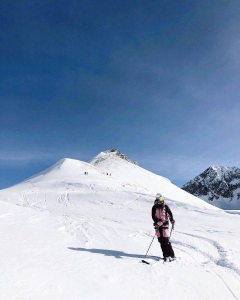 Still on a high after yesterday 🤩 . . . #sheandski #powderday #arlberg ...