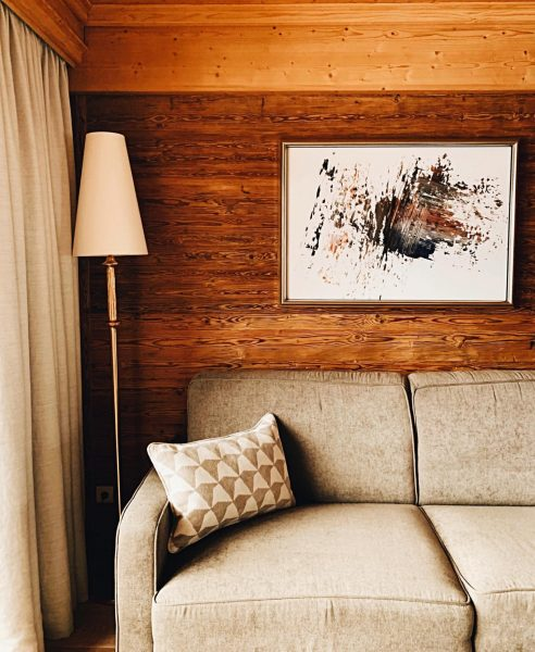 The absolute essentials of a cozy reading nook: diffused light, inspiring art, a ...
