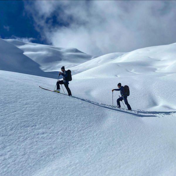 Überraschend tolle Schneeverhältnisse in der Höhe heute trotz der frühlingshaften Temperaturen im Tal.. ...