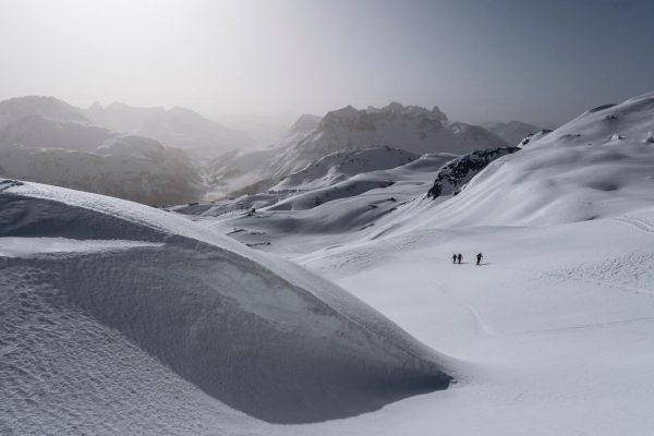 Diese Temperaturen sind eher ungewöhnlich für den Winter am Arlberg. Wir finden Frühlingsskilauf ...