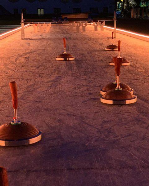 Der ideale Ausklang nach einem wunderbaren Skitag? Eine Partie Eisstockschießen auf unserer brandneuen ...