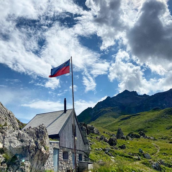 ⁣ ⚔️Mountain hut with a very turbulent history, that was trying to survive ...