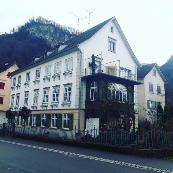 1. Kaffeehaus Vorarlbergs Herz Jakob Kitzinger kam 1797 von Pfersee nach Hohenems und er eröffnete hier, einfach...