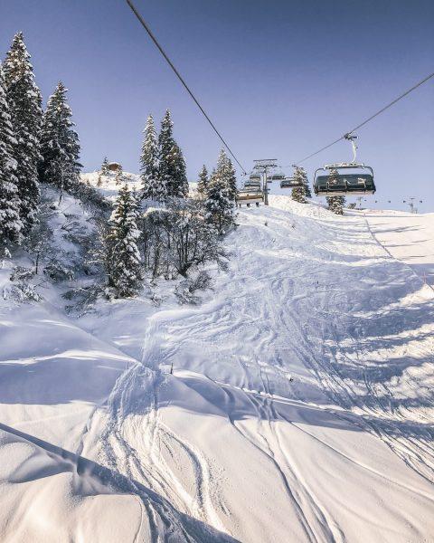 Happiness is the view from a ski lift 🚡❄️ Welche ist Deine Lieblingsbahn am Golm? #wintermitwow⠀⠀⠀⠀⠀⠀⠀⠀⠀ __________⠀⠀⠀⠀⠀⠀⠀⠀⠀...