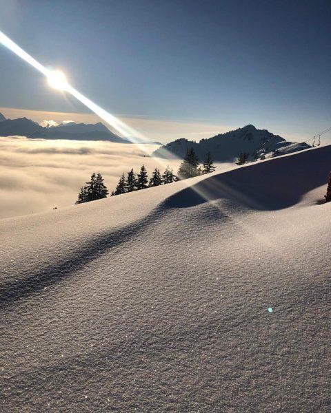 Über den Wolken — Über dem Nebel #obheiter #kleinwalsertal #whereyourheartbeats #bergchaletbaad #ski #skiing ...