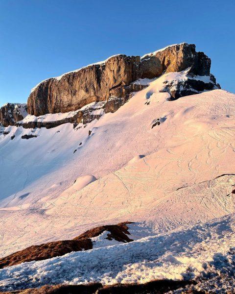 Sunkissed Ifen 💓 . . #auenhütte #ifen #laubela #sonnenaufgang #sunrise #mountainlove #bergverliebt #bergliebe ...