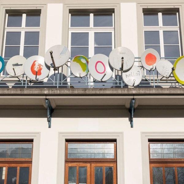 """MARLENE HAUSEGGER. @marlenehausegger Die Installation """"Stumme Signale"""" am Balkon des Künstlerhauses geht auf ..."""