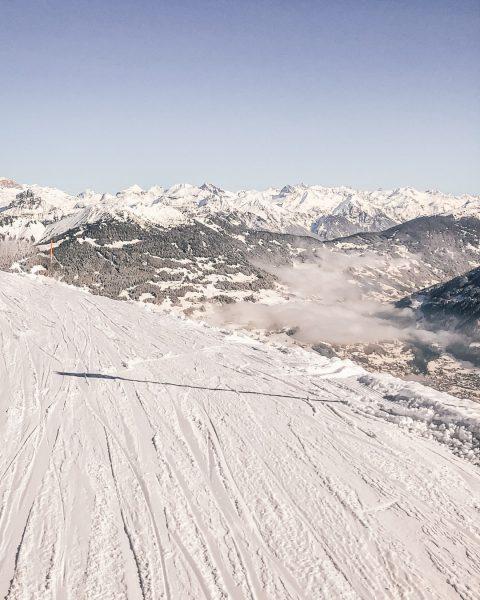 Hello Weekend 🙌 Was sind Deine Pläne fürs anstehende Wochenende? 🤓 ⛷ #wintermitwow⠀⠀⠀⠀⠀⠀⠀⠀⠀ _______⠀⠀⠀⠀⠀⠀⠀⠀⠀ #skiing #winter #outdoors...