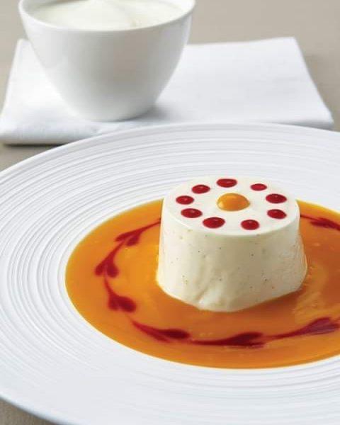 Dessert gefällig? 🤩🤩 ***Jogurtterrine mit Vanille auf Fruchtpüree*** 190g Sennerei Vanillejogurt ½ Vanilleschote ½ Orange 60g Staubzucker...