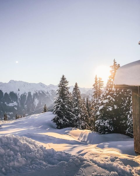 Sometimes it's worth waking up early. 😍🌄 #wintermitwow __________ #golm #meinmontafon #montafon #visitvorarlberg #feelaustria #austria #winterdream #skiing...