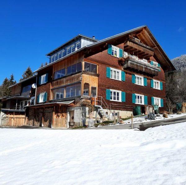 #FerienwohnungKolb #urlaubmitaussicht #sommerwiewinter #bregenzerwaldtourismus #mitbalkonundterrasse #meinsibratsgfäll #traveling Sibratsgfäll, Vorarlberg, Austria