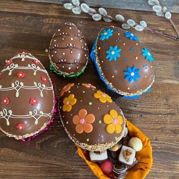 Zu Ostern Freude schenken! Die von Hand und mit viel Liebe gemachten Pralineneier ...