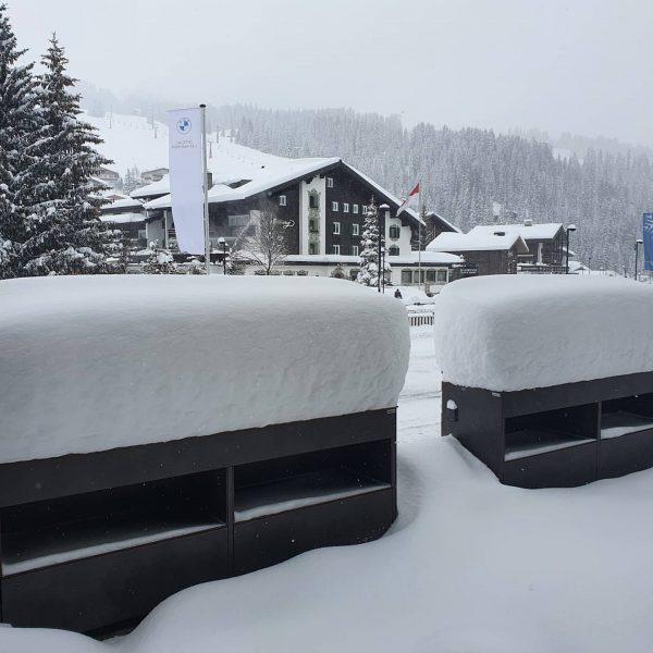 How many cm of fresh snow do you guess? 😍 . . #snow #snowfall #freshsnow #powder #winter...