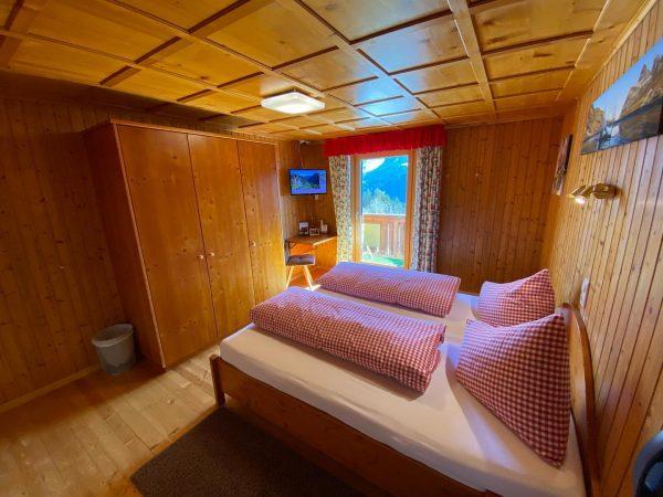 Familienzimmer Panoramablick - 221 (Schlafbereich der Eltern) Genieße die Zeit mit Deinen Lieben auf dem Kristberg 🥰☺️...