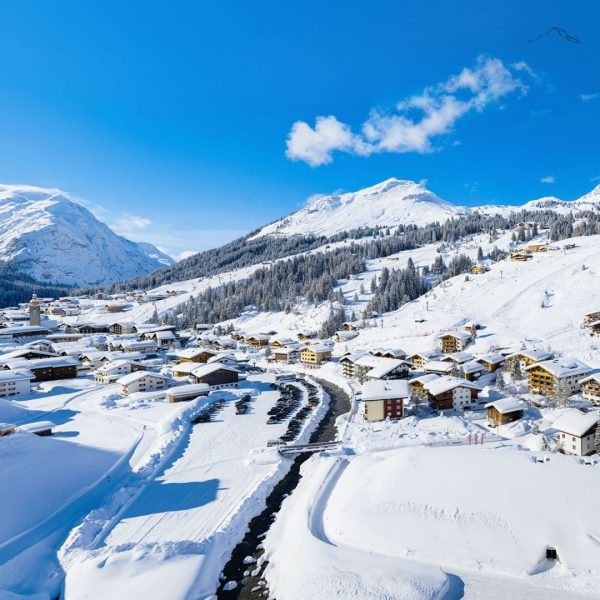 Wintertime in Lech. Wir lieben diese Aussicht 😍❄ #sehnsucht #fernsicht #fernsichtlech #fernsichtapartment #lechzuers #arlberg #lech #visitvorarlberg #urlaub...