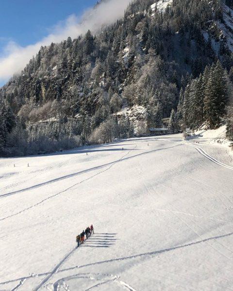 Die Natur im Klostertal kann man auf viele Arten entdecken - Schneeschuhwandern ist ...