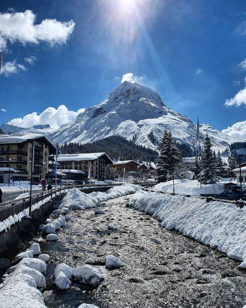 Omeshorn - simply AMAZING 😍😍😍 . . #mountains #mountainstories #mountainlove #lifeisbetterinthemountains #bergzeit #bergliebe #sunshine #winter #wintertime #snow...