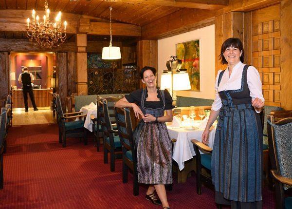 Wir legen sehr großen Wert auf einen ausgezeichneten Service. Manuela Artinyan (rechts im ...