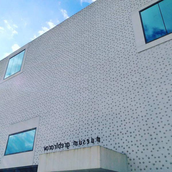 Bei wechselhaftem Wetter ergab sich gestern ein spontaner Besuch @vorarlberg_museum - sehr empfehlenswert! ☀️🌤️⛅🌥️☁️🌥️⛅🌤️☀️ #frühling #samstag #spaziergang...