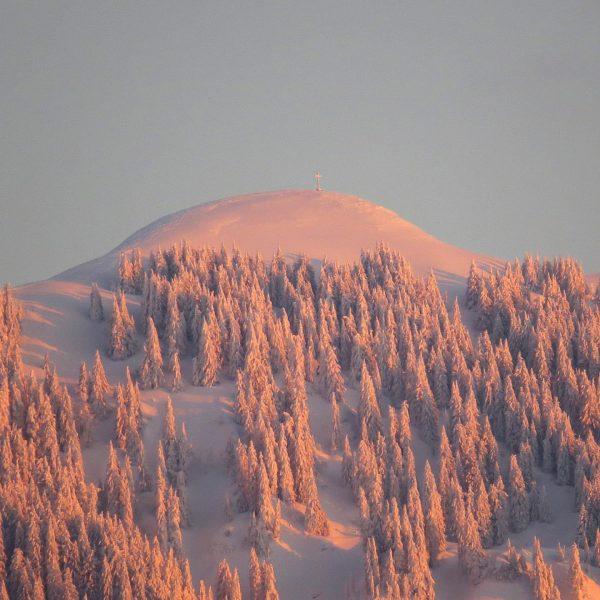die #hohekugel im #abendlicht ... am kalendarischen #frühlingsanfang ... #rheintal #vorarlberg