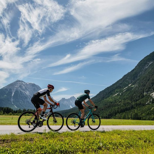 ❕❕NEU bei @sportbrogermellau - RENNRADVERLEIH! Für RennradfahrerInnen ist der Bregenzerwald die ideale Region, da Strecken unterschiedlicher Schwierigkeitsgrade...